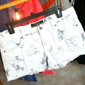 Lucky Brand   Feminine Cut Off Shorts